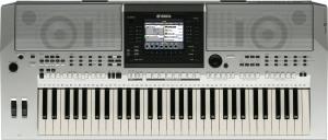 PSR S900